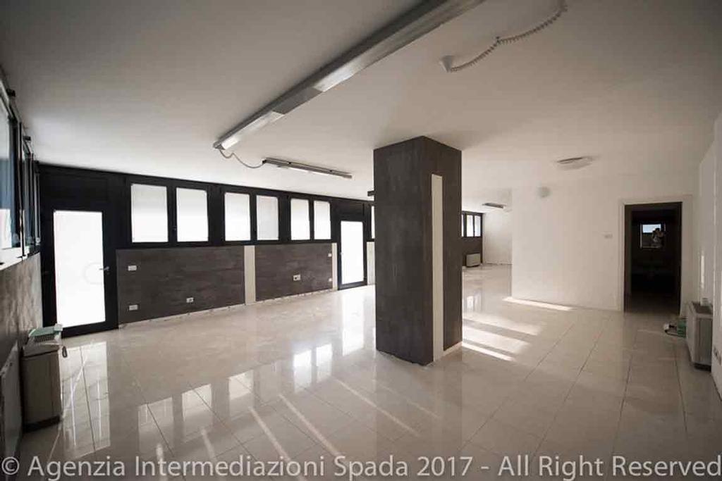 Ufficio A Verona : Ufficio via albere porta palio verona agenzia spada
